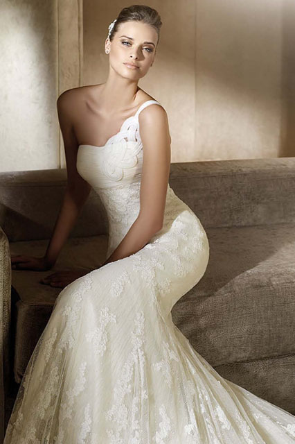 fashion-2011-adam-pronovias